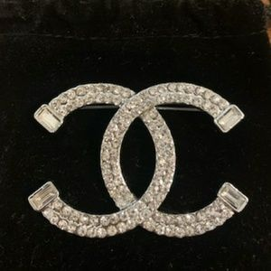 Gorgeous Chanel Brooch Silver 🤗🤗🤗🤗🤗